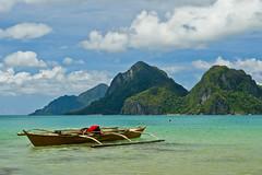 El Nido (Jeremy.Fox) Tags: ocean sky mountain green beach beautiful boat philippines el nido palawan me2youphotographylevel2 me2youphotographylevel3 me2youphotographylevel1 me2youphotographylevel4