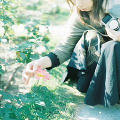 (kajico**) Tags: 120 film girl square hasselblad freind