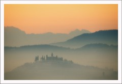 Senza titolo 42 (Outlaw Pete 65) Tags: trees sunset snow mountains castle fog alberi montagne landscapes nikon italia tramonto colours hills neve nebbia colori castello paesaggi lombardia colline cellatica d300s nikond300s mygearandme nikkor55300mm