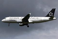 Lufthansa | Airbus A320-200 | D-AIPC | Star Alliance livery | London Heathrow (Dennis HKG) Tags: lufthansa dlh lh airbus a320 airbusa320 aircraft airplane airport plane planespotting london heathrow egll lhr daipc staralliance canon 7d 70200