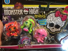 Lookin what I found!  I'm a sucker for Venus, and I want all the original ghouls.  Is this how we get skelita, robecca, jinafire, and deuce?  I want them very much. (Unicornsandwolfs) Tags: monster high minis three pack mattel venus mcflytrap freak du chic cirus getting ghostly draculaura toralei original ghoul
