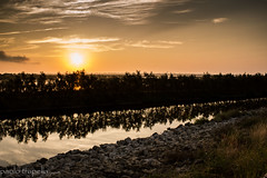 tramonti a nord est (paolotrapella) Tags: tramonto sunset acqua cielo nuvole sky riflesso