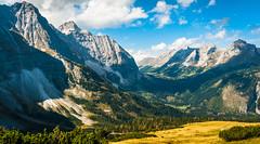 K_090  Wandern im Karwendelgebirge (wenzelfickert) Tags: karwendelgebirge wandern alpen tirol landscape bergmassiv hiking berge mountains sterreich austria wanderweg trail