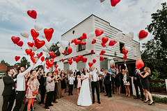 Luftballons bei einer Hochzeit in Hamburg (annehufnagl) Tags: hochzeitsreportage hochzeitsfotografie hochzeit heiraten hochzeitsfoto hochzeitsfotos hamburg hochzeitsfotograf hochzeitsfotografin anne hufnagl wedding photography real