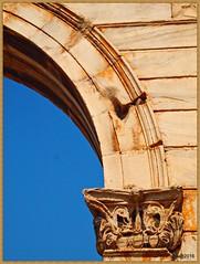 1608221_OLPD_Atenas, detalle de arco y columna del Arco de Adriano (S II) (jesssilgado) Tags: cities city ciudad grecia paisaje paisajes pueblo villages village landscape acropolis atenas