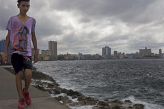 Malecon stroll (kbee693) Tags: thisimageiscopyrighted cuba habana seawall malecon canoneos6d