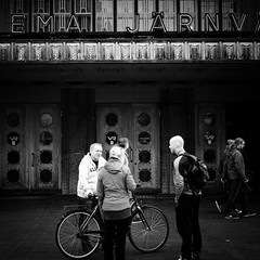 (s_inagaki) Tags: station bicycle door helsinki finland