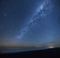 Grope for Luna (danhan27) Tags: astro astrophotography astroscape milky way aurora australis southern lights nz new zealand night sky dark star stars cross birdlings flat beach sea tide bankspeninsula pixies black francis frank luna