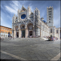 Cathedral of Siena, Tuscany, Italy :: HDR (:: Artie | Photography ::) Tags: italy architecture photoshop canon ancient wideangle medieval structure tuscany handheld classical siena romanesque ef 1740mm f4 hdr 1215 tuscan artie frenchgothic cs3 1263 3xp duomodisiena photomatix tonemapping santamariaassunta tonemap 5dmarkii 5dm2 sienacathderal
