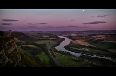 Kinnoul Hill - Perth (Michael~Ashley (off for a while)) Tags: sunset moon mountain river view dundee hill tay perth vista tayside kinnoul
