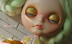 Blinking eyelids