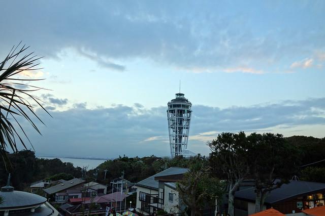 展望灯台江ノ島シーキャンドルを臨む