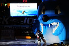 Blue Fox (Benny Hnersen) Tags: blue ice hockey is herning icehockey skate fox eis schlittschuh ishockey skjte skjtehal