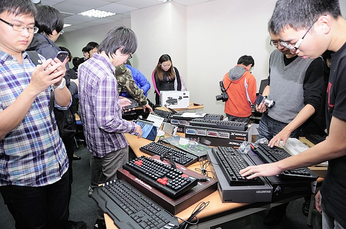 2012-keyboard-party