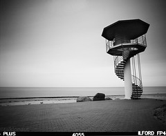 Winter Beach (tsiklonaut) Tags: sea bw tower 120 film monochrome analog blackwhite europe estonia pentax north baltic lee torn medium format analogue 6x7 eastern 3000  ilford fp4  rand 67 vaade baltics norte cpl eesti        pmt       heliopan kabli      talvine  unccd negroiblanco photomultipliertube arcaswissmonoball bigstopper scanview scanmate    nonccd vetelpste tsikloanut nocmos