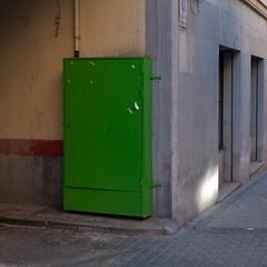 Green box (Julio López Saguar) Tags: madrid street urban españa verde green calle spain closed box caja urbano cerrado juliolópezsaguar