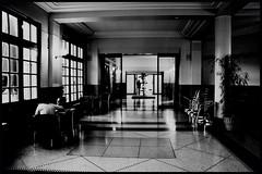 (Jean-Luc Léopoldi) Tags: bw museum noir noiretblanc musée piscine vide roubaix carrelage luisant contrastedur