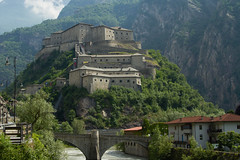 Forte di Bard, val D'Aosta. Fort Bard, Aosta's valley. (omar.flumignan) Tags: fort forte bard valle daosta aosta castello casttle canon eos 7def24105f4lisusm flickrtravelaward