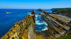 Escollos tiene la mar (Jesus_l) Tags: europa espaa cantbria liencres mar jessl