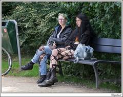 Mag het een gaatje meer zijn? (Digifred. Thx for > 4 000 000 views.) Tags: amsterdam nederland netherlands holland straat street city grachten digifred streetphotography 2016 iamsterdam pentaxk3 rippedjeans broekenmetgaten mode fashion design jeans spijkerbroek vondelpark