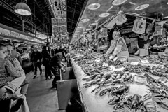 On the Market (Mario Rasso) Tags: mariorasso nikon nikond800 larambla cataluña catalunya spain españa mercado bw blackandwhite blancoynegro ngc