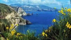 Ricordi estivi (Luc1659) Tags: isola landscape sea mare estate vacanze sole panorama summer seaholidays blue giallo island eolie