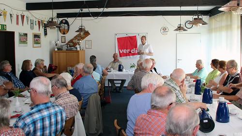 Gespräch mit den Ver.di-Senioren der Fachbereiche Post und Telekom im Clubhaus des TV Metjendorf.