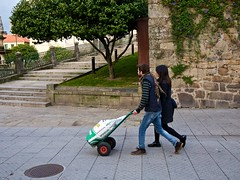 P1260627 (CarluzFoto) Tags: 20mm color gx7 lumix people peopleonthestreets pontevedra streetphoto streetphotography