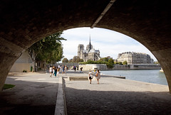Notre-Dame, Paris, France (Thierry Hoppe) Tags: pontdelatournelle cathédralenotredamedeparis notredame paris france quai tournelle bridge cathedral view pont quay seine romantic