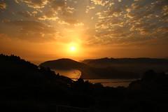 Amanecer (carmenmt) Tags: amanecer sol asturias rodiles playa mar ra villaviciosa