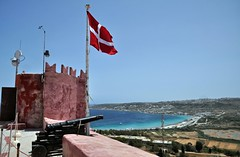 Malta_287_View on Mellieha Bay (SwissMike62) Tags: malta mediterraneansea mediterranea landscape flag bay bucht