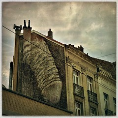 Ceci n'est pas ... Belgian surrealism (@necDOT) Tags: surrealism graffiti streetart hipstamatic brussels