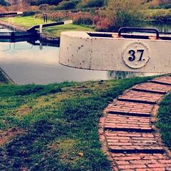 Caen Hill Locks, November 2012 (DaveOnFlickr) Tags: november 2012 caen caenhill caenhilllocks canal instagram 37 thirtyseven