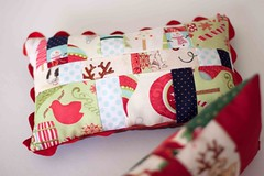 mini almofadas decorativas (Canela Cheia) Tags: pillow patchwork almofada