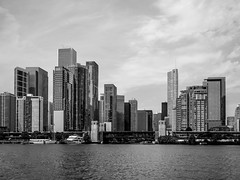 Mike Maney_Chicago Finale-149.jpg (Maney|Digital) Tags: architecture chicago city friends skyline streetphotography