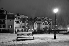 snowfall (maybe..78) Tags: chamonix montebianco montblanc neve nevicata panchina lampione biancoenero luce ombra solitudine sera serata blackandwhite romantico malinconia mont blanc street strada