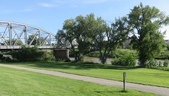 Red River Bridge and Park (East Grand Forks, Minnesota) (courthouselover) Tags: minnesota mn northdakota nd redriverofthenorth polkcounty grandforkscounty eastgrandforks grandforks