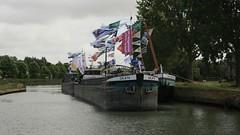 Pavois (jptaverne) Tags: batellerie pniche canal voiesdeaux voiesnavigables