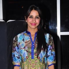 South Actress SANJJANAA Photos Set-7 (8)
