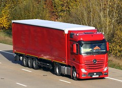 Mercedes Actros new look LU 6598U (gylesnikki) Tags: red truck artic mp4 2012