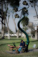 Banca y Farol (Soñando en el parque) (Mac-Photos) Tags: parque peru nikon francisco lima farol sonar sueño banca exposición burga