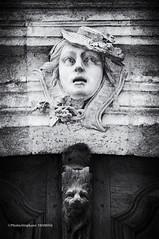 My god ! the door is closed ! (steff808) Tags: blackandwhite bw france blancoynegro statue puerta nikon noiretblanc aixenprovence porte provence estatua francia frontdoor biancoenero nikond90 nikon1685