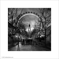 London Eye (Ian Bramham) Tags: white black london wheel photo dusk londoneye ferris ianbramham
