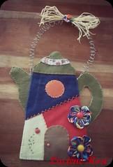 Vai um cafézinho?? (Luciene Rosi ❀) Tags: brasil handmade artesanato feitoàmão felt fuxico feltro bule tecido buledefeltro lucienerosi