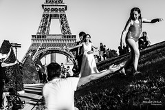 Street - How to spoil a wedding shoot ;-) (Franois Escriva) Tags: street streetphotography candid people olympus omd black white eiffel tower sky light sun summer blue girl wedding shoot spoil married husband wife paris france