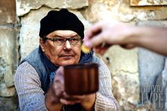 POVERI (@LuPe) Tags: matteorenzi referendum elemosina poveri connazionali riforme risparmio bufala menzogna bugiardo opportunista consenso