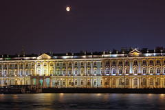 Saint-Ptersbourg comme dans un rve (Fabien Husslein) Tags: saint petersburg petersbourg cankt peterburg russie russia russian federation palace winter palais hiver ermitage neva hermitage lune moon city cityscape water reflection night nuit ete summer people quai beauty dream reve