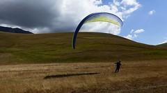P1020069 (mlandmann) Tags: gleitschirm paragliding castelluccio