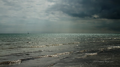 Elmer  beach (rhfo2o - rick hathaway photography) Tags: rhfo2o canon canoneos7d elmer elmersands bognorregis westsussex beach sea seaside waves sky clouds horizon