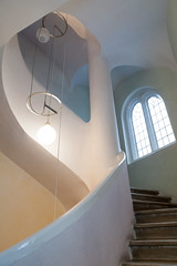 On the first floor   Rudolf Steiner House   Open House 2016-1 (Paul Dykes) Tags: rudolfsteinerhouse staircase stairwell stairs london uk england philosophy spiritualism science biodynamicagriculture anthroposophy openhouse openhouse2016 september 2016 montaguewheeler architecture expressionist expressionism anthroposophicalsociety movement organic metamorphosis